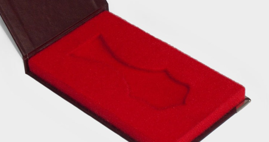 etui na medal nietypowy kształt